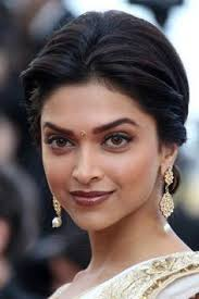 makeup for indian skin tone i love her eyes and wish i could carry off that make up well nonetheless pinning it still not a bad ideas to try it one mitre
