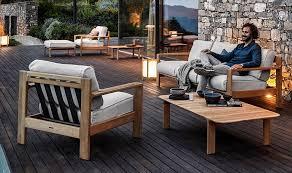 Comfortable patio furniture Modern Summer House Patio How To Choose Comfortable Patio Furniture