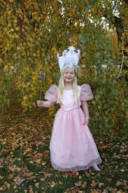 i got my crafty on with this glinda costume and i had a blast i usually struggle to find the time just to finish an outfit and often have to ditch most