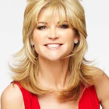 Tv presenter anthea turner helps you keep your home tidy and organised. Anthea Turner Great British Speakers