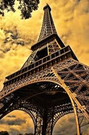 sample essay on my favorite city paris house fire books paris the wonderful city my favorite