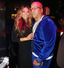 wendy williams ditches wedding ring kevin hunter flower ring
