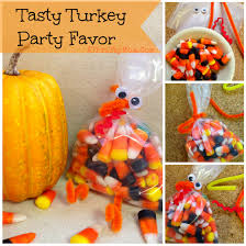 Candy Corn Turkey quick and easy party favor for a Thanksgiving Party, DIY  crafts for