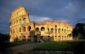 Архитектурные достижения Древнего Рима  до наших дней древнеримских сооружений символ славы Вечного Города превосходящий своими размерами все когда либо построенные в Риме амфитеатры