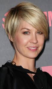 Charlize Theron Short Hair Style charlize theron medium hair short hairstyles in south africa artweekco 7431 by wearticles.com