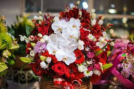 here at conroy s flowers redondo beach in redondo beach ca we think holiday ping is one of the best parts of holiday season