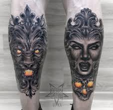 лев и девушка татуировки на ногах сделать тату у мастера вики салон