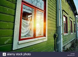 Fenster An Der Hölzernen Grüne Wand Der Traditionellen Alten Vintage