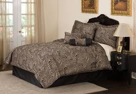 image of black and gold bedspread and curtain sets