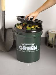 Kitchen Gardeners Kitchen Compost Bin Big Green Compost Bucket Gardenerscom