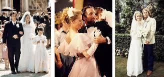 Gli abiti da sposa degli anni '50 avevano elementi femminili come il pizzo, e gli abiti da ballo guadagnavano popolarità. Gli Abiti Da Sposa Vintage Piu Belli Del Cinema Vintachic