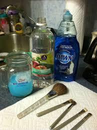 diy make up brush cleaner w water dawn dish detergent and vinegar