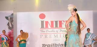 Manish Malhotra Fashion Designing Course Do You Aspire To Be The Next Manish Malhotra Or Twinkle
