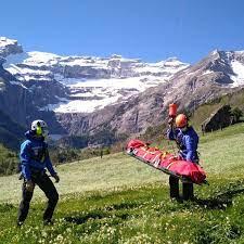 Pyrénées : les secouristes en montagne appellent les randonneurs à la  prudence