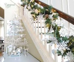 beautiful-white-christmas-decorations-for-stair