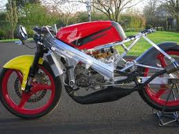 most of you by posting an average rs125 but i thought the spondon frame really made this a unique bike the seller claims only two were ever produced