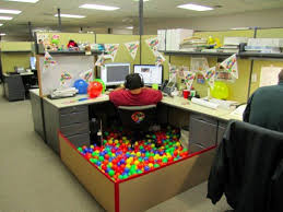 ball pit at work....I would love to do this! | Things that Make Me Smile |  Pinterest | Cubicle and Office fun