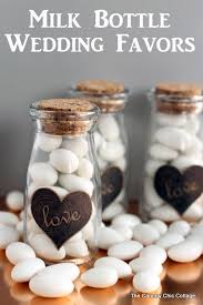 make these diy wedding favors for your wedding guests an easy project with a free