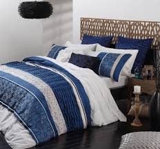 Quilts for Master Bedroom: the Kinds that Dress the Bed ... & Quilt Bedding Idea in Black, White, Brown, and Red If you wish to get a  modern-looking bed, you can try this kind of quilts for the master bedroom. Adamdwight.com
