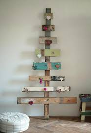 Awesome DIY Christmas Decorations Made From Pallets  HativeDiy Christmas Wood Crafts