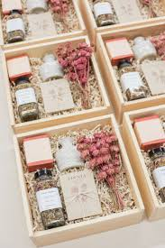 Floral Design Gift Boxes Best Corporate Gifts Ideas Client Gift Boxes Ivory And