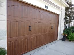walnut garage doorsAmarr Classica Garage Doors  Kansas City St Louis  Renner