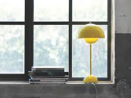 flowerpot vp3 table lamp yellow