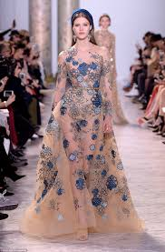 Elie Saab Wows With Fairytale Dresses At Paris Show Daily Mail