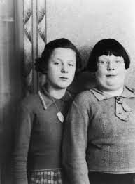 Kathleen Maloney (left), one of the victims of British serial killer John  Reginald Christie - Flashbak