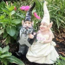 garden gnome couple wedding statue
