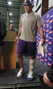 report vikings start jackson over favre ny daily news vikings quarterback brett favre is hobbled by a bum ankle and could himself on the