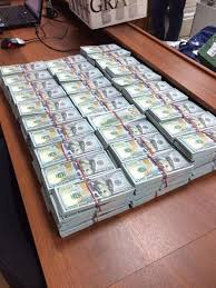 При обыске квартиры полковника МВД нашли миллиардов рублей Для пересчета изъятых в ходе обыска денежных средств потребовалась ночь работы оперативников ФОТО Оперативная