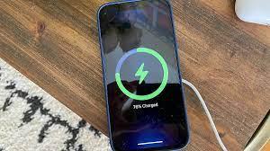 Cách sạc pin iPhone đúng cách từ chính Apple khuyến cáo