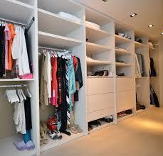 custom closets. 2 Custom Closets