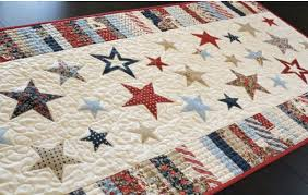 July 4th Quilt Patterns: Celebrate with 7 Patriotic Patterns & Spangled Runner Quilt ... Adamdwight.com
