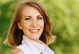 لإمرأة الأربعينيات الشعر القصير أجمل ما يميزك الجمالنت