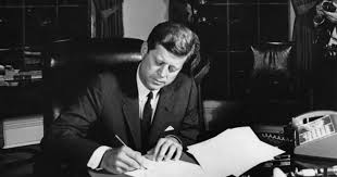 The soviets agreed to dismantle the weapon sites and, in exchange, the united states agreed not to invade cuba. Twe Remembers The Oas Endorses A Quarantine Of Cuba Cuban Missile Crisis Day Eight Council On Foreign Relations