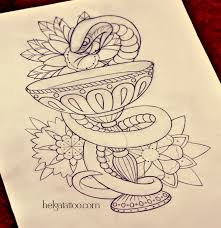 символ медицины хельга хаген художница тату мастер
