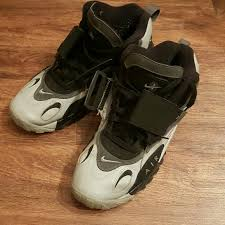 We all know the deion shoes nike has retro'd in the past. Nike Shoes Deion Sanders Nike Air Max Speed Turf Poshmark