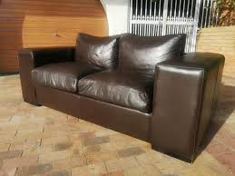 3 seater leather couch big and bulky weylandts sofa and in great condition call bobby 0764669788