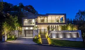 a new home by michael parks of msp design development located in the hollywood hills of los angeles has been listed for let s have a look around