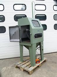 blast cabinet. injector blasting cabinet except sandblasting type st 700 lg masch. no. 1569 year 1985 interior size 680 x 560 770 mm compressed air requirements blast