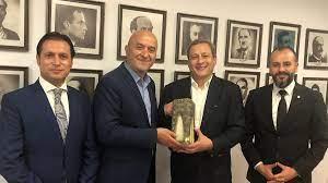 Son dakika Galatasaray'dan Burak Elmas fotoğrafı hakkında açıklama (Mehir  Vakfı açıklaması)