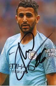 Kelocks Autogramme | Riyad Mahrez Manchester City Fußball Autogramm Foto  original signiert