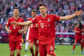 Lewandowski Makes History Again As Bayern Go Top Gulftoday