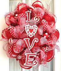 oval deco mesh wreath valentine s day via southerncharmwreaths 18 lovely diy valentine s day home decor ideas
