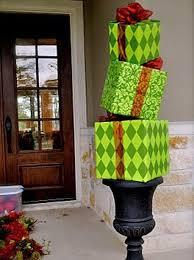 christmas front door decorations10 Christmas Door Decorations  DIY