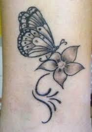 Tatuaggi Con Farfalle E Fiori I Più Bei Disegni Foto Nanopress