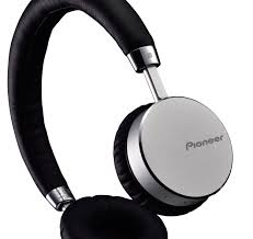 pioneer bluetooth headphones. fully enclosed dynamic headphones with bluetooth, nfc technology and a built-in mic pioneer bluetooth i