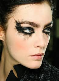 call me crazy but i like the exaggerated eye at chanel spring 2016 couture
